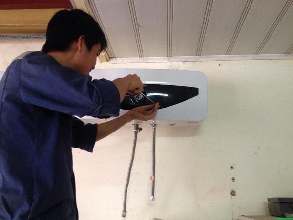 Sửa bình nóng lạnh tại Lê Trọng Tấn giá cả cạnh tranh nhất