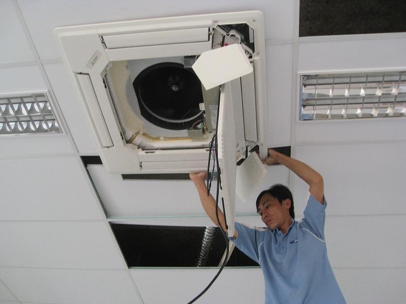 Vệ sinh bảo dưỡng điều hòa tại Hà Nội uy tín, chất lượng